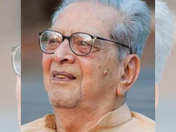 Veteran actor Dr. Shriram Lagoo cremated in Pune today