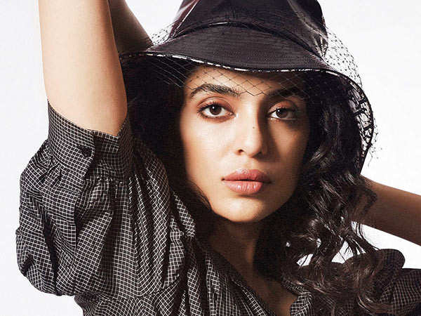 I want someone who is  inspiring, creative, kind and curious. - Sobhita Dhulipala