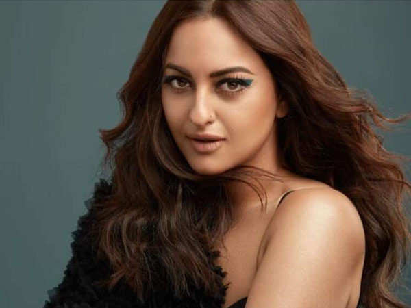 I never thought I would end up being an actor. - Sonakshi Sinha
