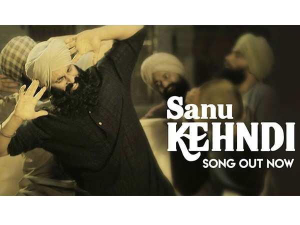 Akshay Kumar grooves with his pals in Sanu Kehndi from Kesari