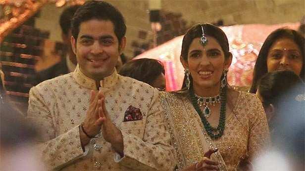 Maroon 5, Akash Ambani, Shloka Mehta, Filmfare, Mukesh Ambani, Filmfare