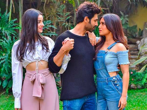 Kartik, Bhumi and Ananya Panday to star in Pati Patni Aur Woh remake