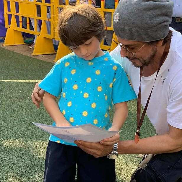 SRK reveals the playboys' mantra with these pictures