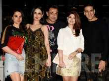 Akshay Kumar and Twinkle Khanna celebrate their anniversary with friends