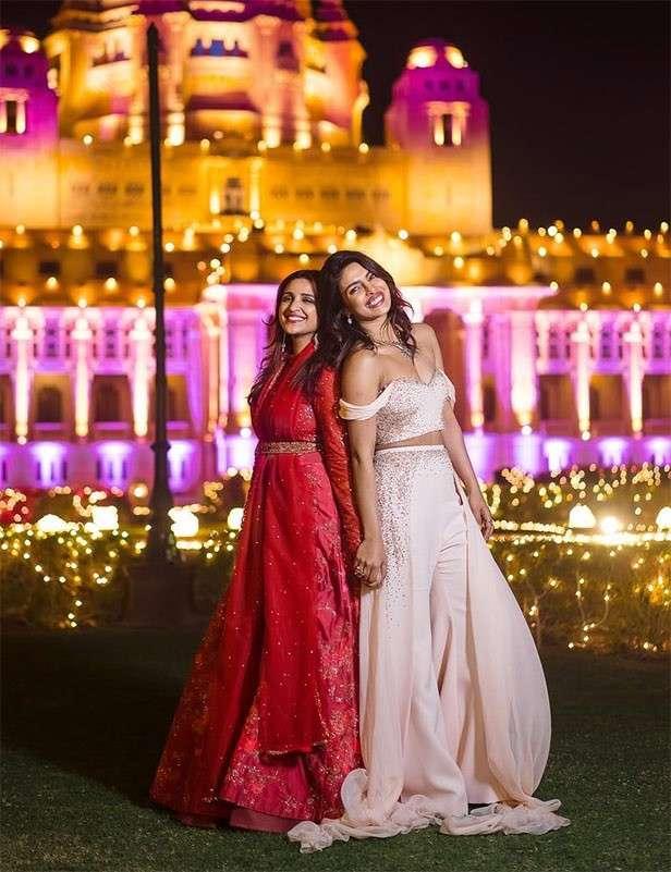 This is what Nick Jonas gave Priyanka Chopra's bridesmaids on the wedding