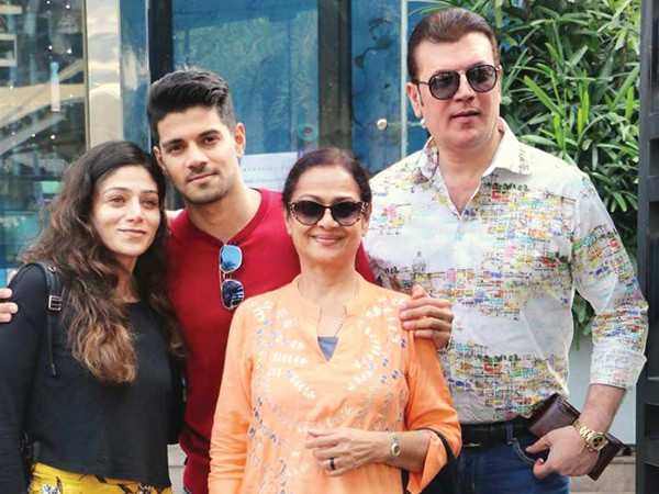 Aditya Pancholi is a child at heart. - Zarina Wahab