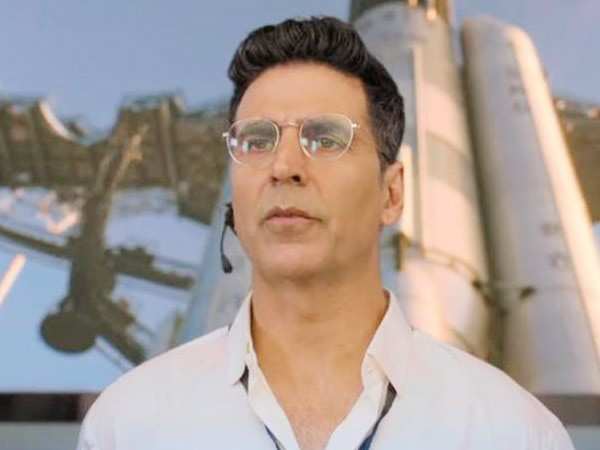 Here's what Akshay Kumar used to do on the sets of Mission Mangal