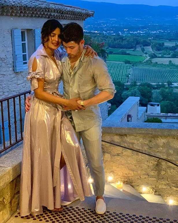 Mutfakta Priyanka Chopra ve Nick Jonas'ın sevimli buluşma gecesini görün