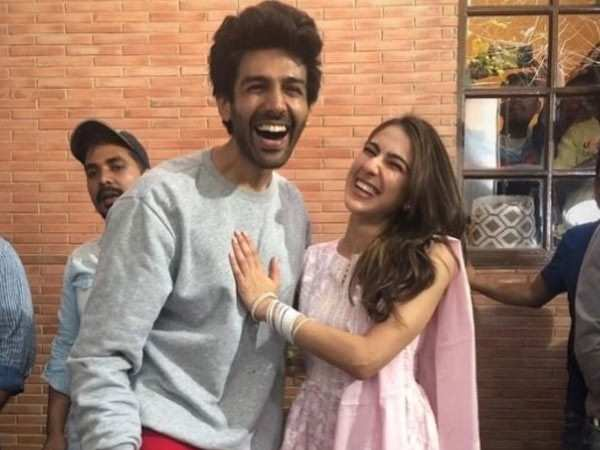 Kartik Aaryan and Sara Ali Khan step out for a date in Lucknow