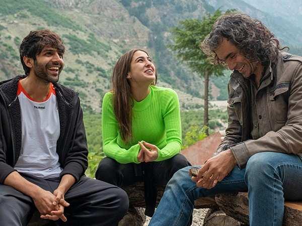 Kartik Aaryan and Sara Ali Khan wrap up shooting for Love Aaj Kal 2