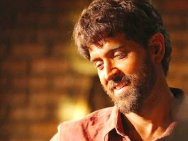 Celeb Review: Bollywood reacts to Hrithik Roshan's Super 30