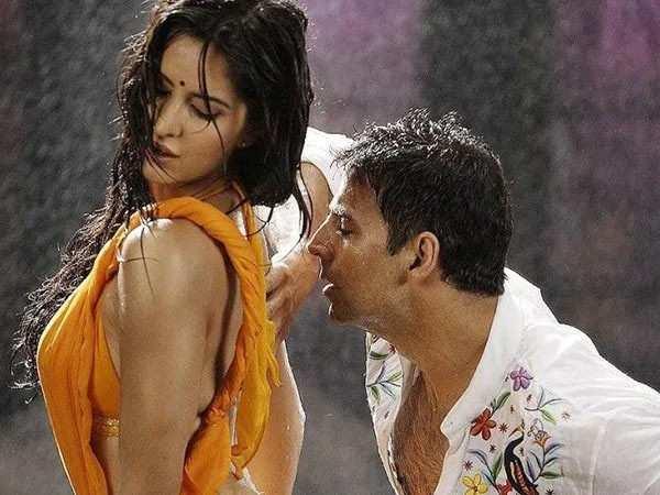 Akshay Kumar confirms the remake of the hit song Tip Tip Barsa Paani