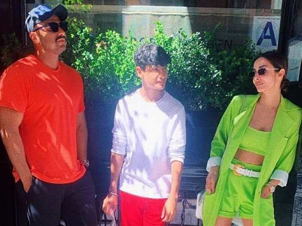 This picture of Arjun Kapoor and Malaika Arora from NYC is breaking the internet