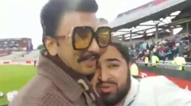 Ranveer Singh consoles a Pakistani fan after defeat against India