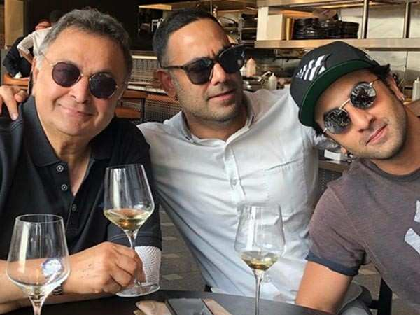 Ranbir Kapoor bonds with father Rishi Kapoor over lunch in New York