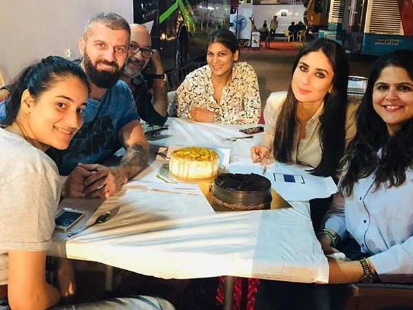 Kareena Kapoor Khan celebrates the wrap up of a song from Good News