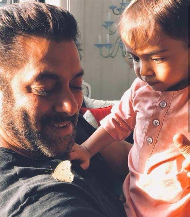 Salman Khan grooves at nephew Ahil Sharma's birthday