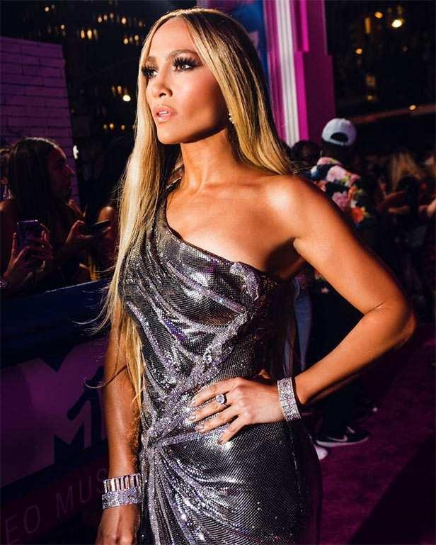 Jennifer Lopez, Malaika Arora