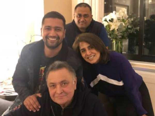 Sweet! Vicky Kaushal bonds with Rishi Kapoor and Neetu Kapoor in New York