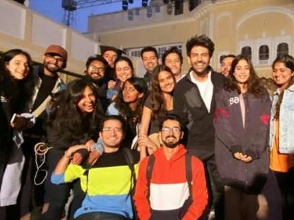Janhvi Kapoor and Kartik Aaryan wrap up the Punjab schedule of Dostana 2