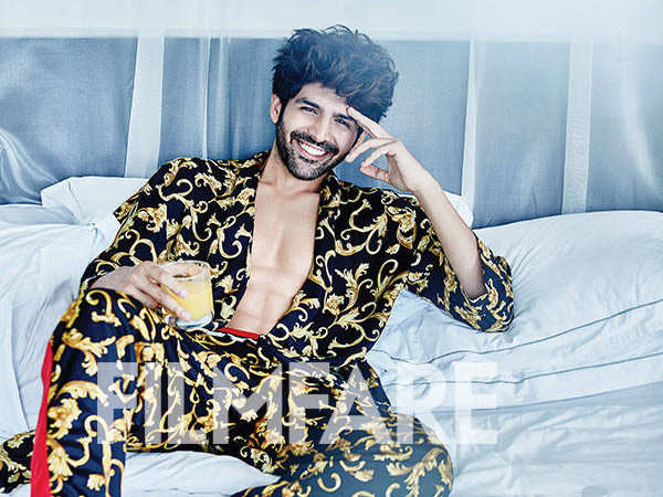 Bollywood stars shower love on birthday star Kartik Aaryan