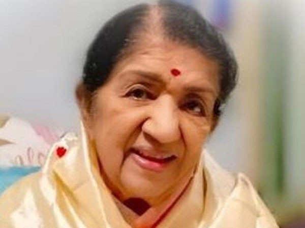 Lata Mangeshkar's Family Shares An Update On The Singer's Health