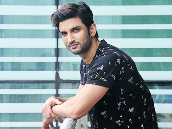 Sushant Singh Rajput opts for a face mask at the airport to avoid being noticed