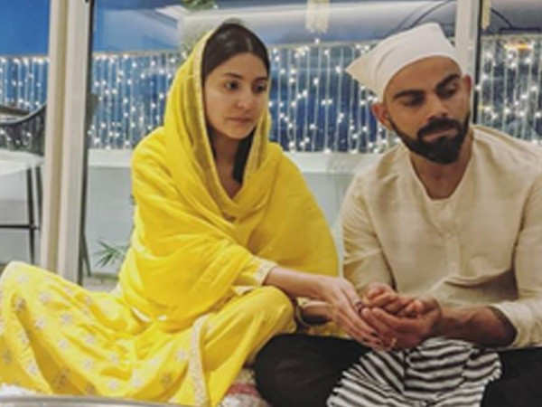 This photo of Anushka Sharma and Virat Kohli doing Lakshmi puja is adorable