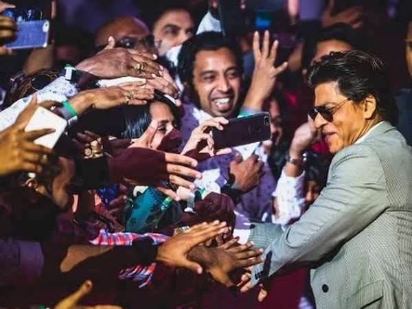 Shah Rukh Khan's fans count down to his birthday on social media
