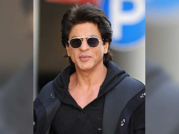 Watch: Viral video of Shah Rukh Khan hosting a show before he became a star