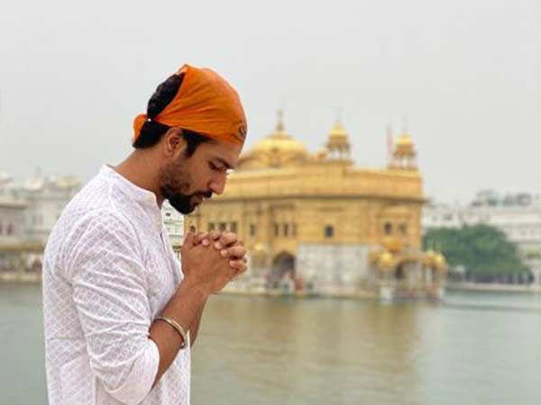 Vicky Kaushal seeks blessings at Golden Temple ahead of Sardar Udham Singh shoot