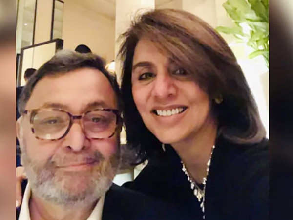 Just in: Rishi Kapoor to return to India next week