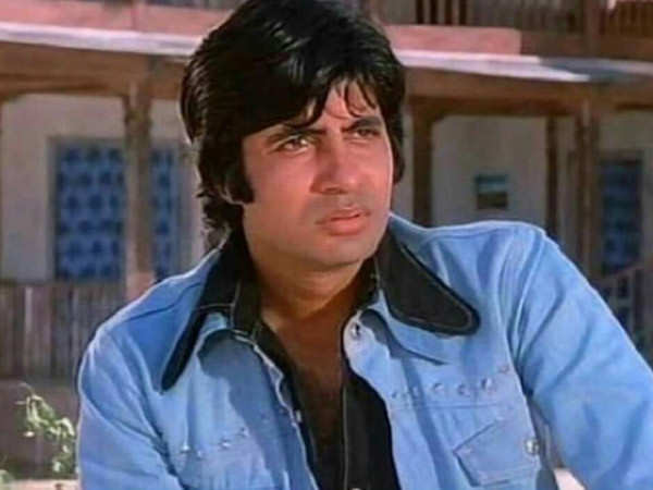 Amitabh Bachchan shares a throwback picture from Sholay's premiere