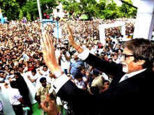 Amitabh Bachchan is missing his Sunday meet and greet with fans