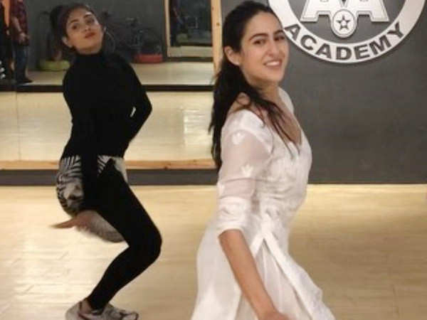 Sara Ali Khan's rehearsal video for Aankh Marey is too good to miss