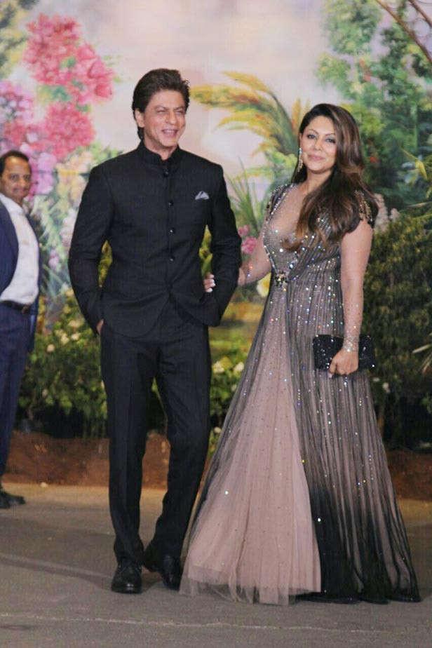 Gauri and Shah Rukh Khan offer their 4-storey office to BMC for quarantine facilities | Filmfare.com