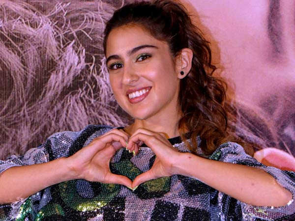 Sara Ali Khan Shares a Transformation Picture of her Family