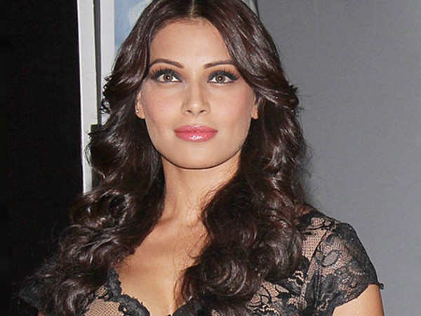 Bipasha Basu reveals the one thing that puts her off about gadgets