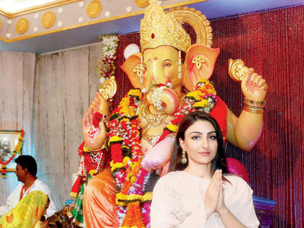 Soha Ali Khan shares how you can keep from putting on weight during Ganesh Chaturthi