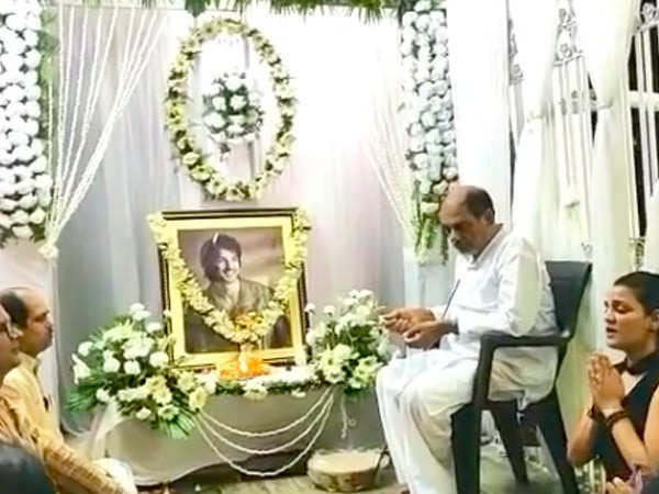Sushant Singh Rajput's sister shares a video from the prayer meet held at his residence today