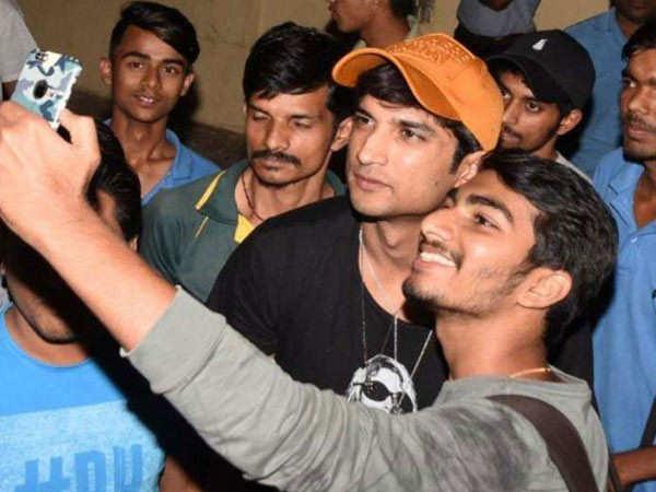 Late Sushant Singh Rajput's Fans Welcome SC's Verdict with Joy