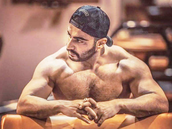 Arjun Kapoor enjoys a protein-rich dinner