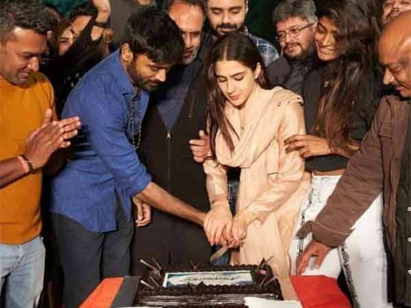 Sara Ali Khan and Dhanush wrap up shooting for Atrangi Re with a small wrap-up party