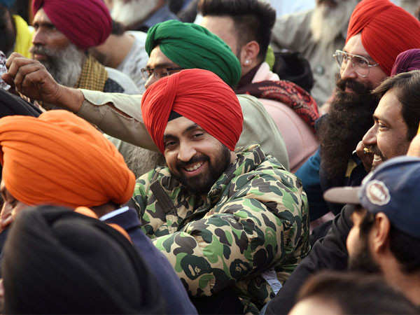 Diljit Dosanjh donates Rs. 1 crore to buy warm clothes for the farmers