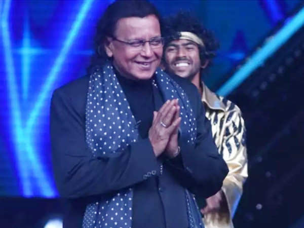 Mithun Chakraborty Collapses On the Set of Kashmir Files Due to Food Poisoning