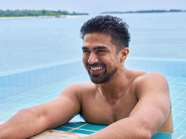 Saqib Saleem shares a glimpse of his cheat meal