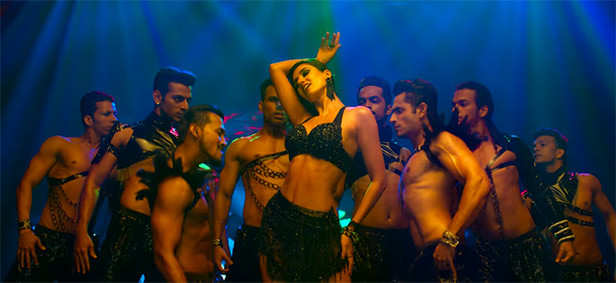 Disha Patani Sizzles In The Latest Track From Malang Titled Hui Malang Filmfare Com