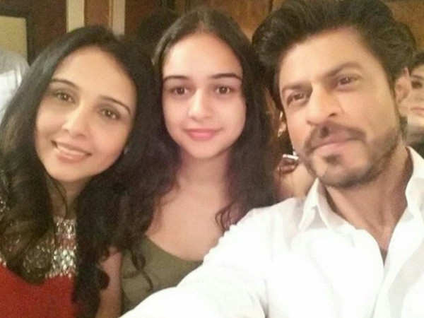This picture of Shah Rukh Khan has gone viral on the internet today