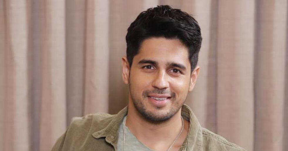 Sidharth Malhotra to play a double role in Thadam remake