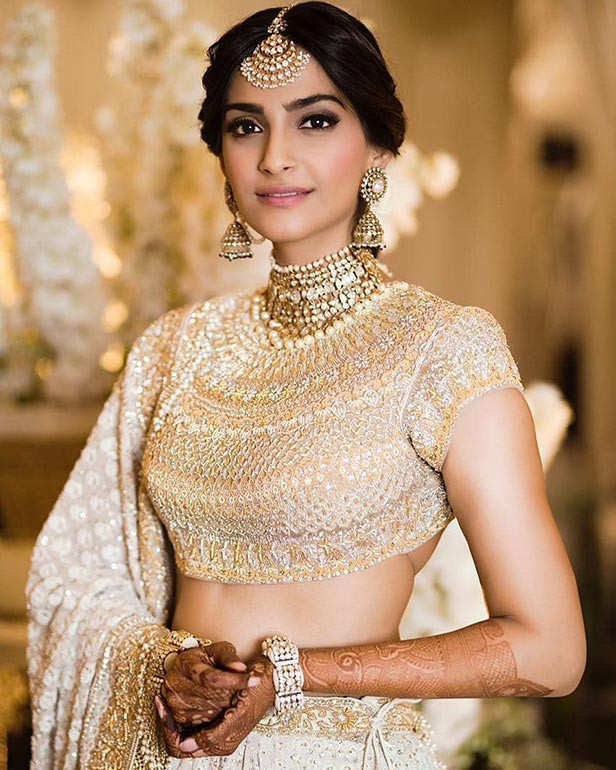 Sonam Kapoor clears the air over the Mr.India remake | Filmfare.com